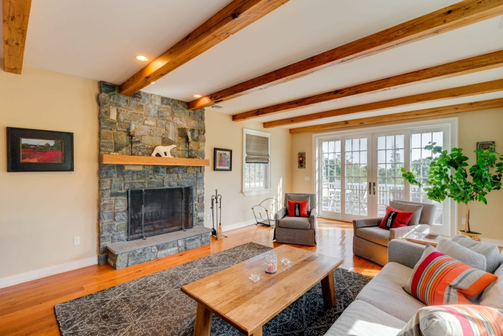 exposed-woo-ceiling-beams-french-country-living-room-home-remodel-renovation-inspiration-ideas-gerety-westchester-fairfield